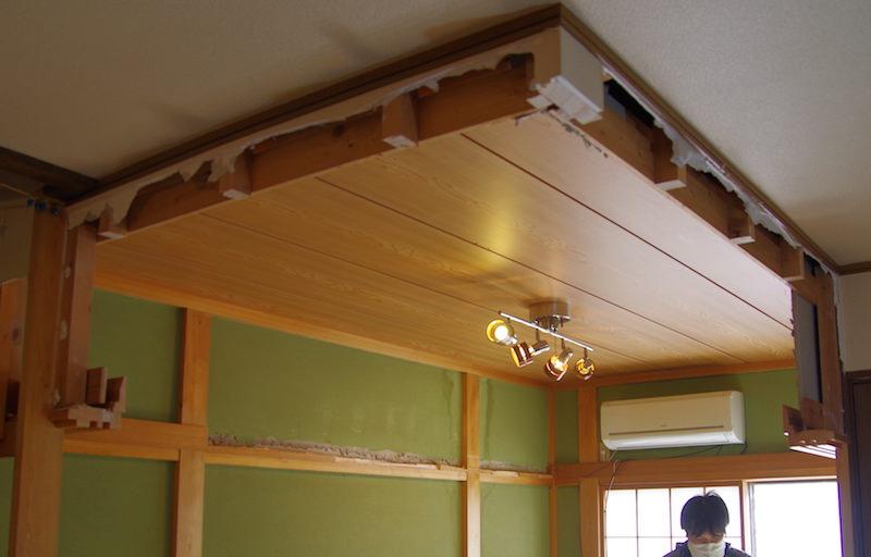 和室天井作業前