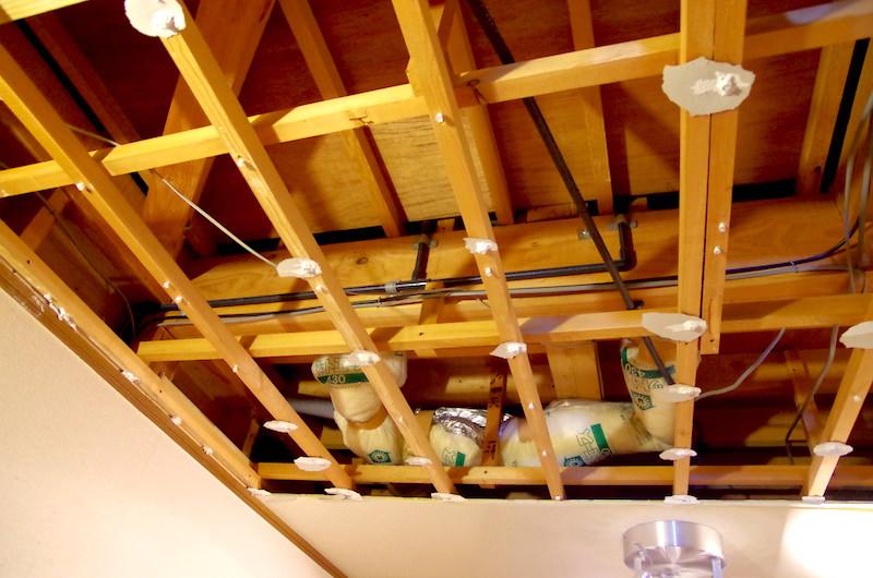 洋室天井の構造