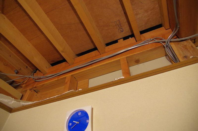 天井解体後の廻縁