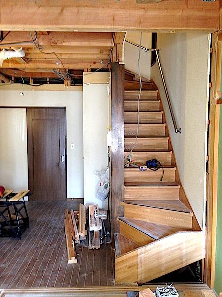 天井完全解体後の光景