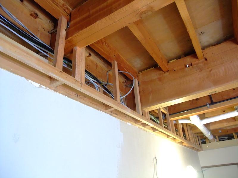 配線整理後ふかし壁の型枠を作成