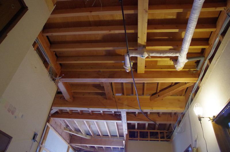 天井配線整理後