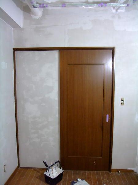 ドアに採用されているプリント合板