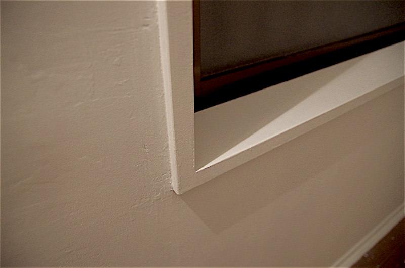 窓枠部分もペイント