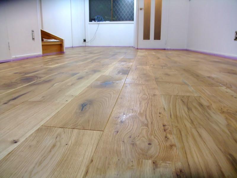 塗装前の床色