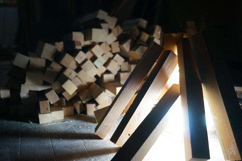 廃材で間接照明
