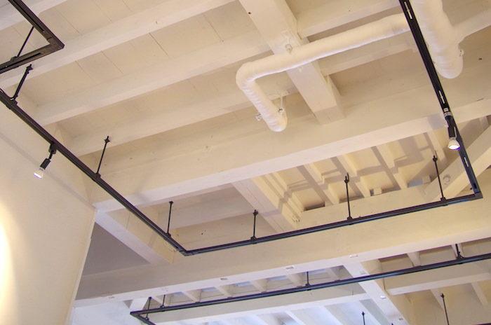 セルフリノベで天井を抜いて3年。暮らして感じたメリット、デメリットを話す