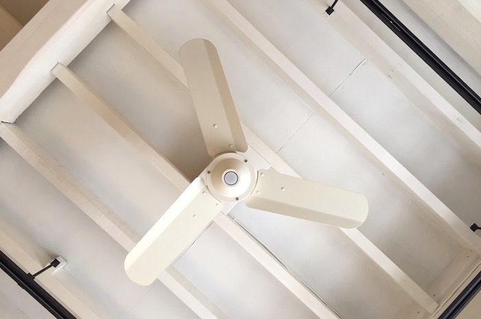 シーリングファンを自分で取り付けた話。部屋内の温度差を解消したい!