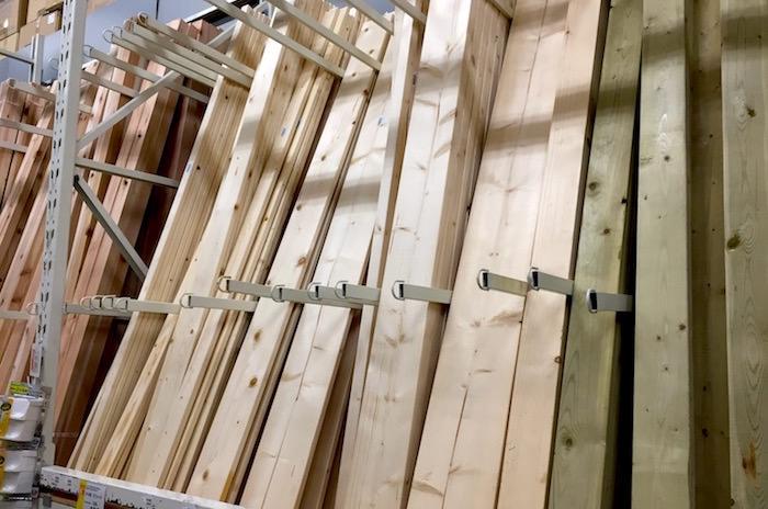 低コストの無垢床材はないのか?SPF材をフローリングとして使う事について考察する。
