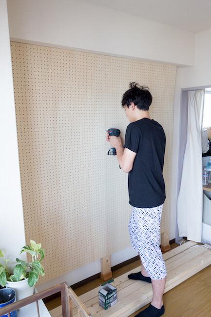 壁 有 孔 固定 ボード 壁面収納に◎パンチング(有孔)ボードの取り付け方と飾り方を詳しくご紹介!