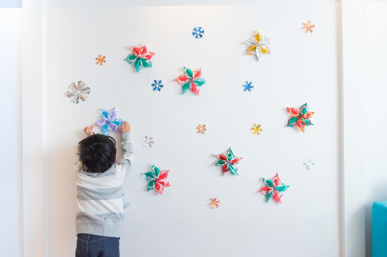 折り紙で作る雪の結晶の簡単クリスマスデコレーション