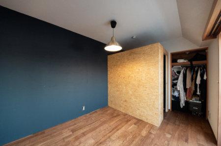 部屋の中に小さな小屋を作る。書斎、ウォークインクローゼット、秘密基地に最適