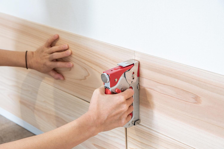 壁に空けた画鋲やタッカーの穴をすぐに補修できる簡単な方法 99 Diy Diyブログ
