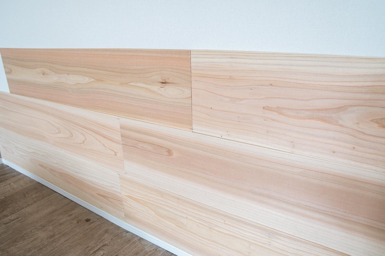 賃貸diy 壁に5mm厚の足場板を貼ったらカッコ良すぎた 難しい工具も必要なし 99 Diy Diyブログ