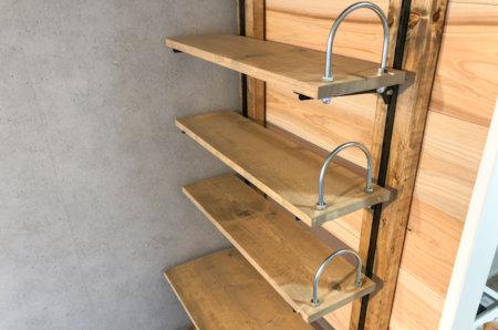 【賃貸DIY】ディアウォールで壁面に可動式の本棚を作る