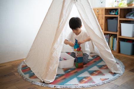 子供が遊ぶ用のティピーテントの作り方
