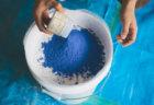 松煙と群青の天然顔料を入れてオリジナルカラーの漆喰を練ってみる