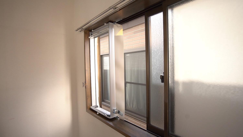 窓 用 エアコン 取り付け 方