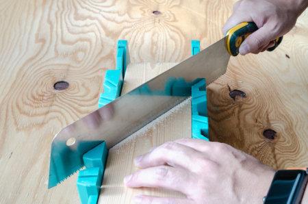 木材を30°や45°に切る3つの方法【マイターボックス・丸ノコ・スライド丸ノコ】