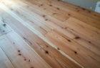 床材に使えそうな杉板を使って激安で無垢フローリングを実現できた